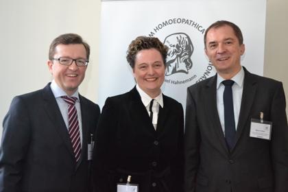 r-Thomas-Peinbauer-ECH-Präsident-Cornelia-Bajic-DZVhÄ-Vorsitzende-Marco-Tullner-Staatssekretär-im-Ministerium-für-Wissenschaft-und-Wirtschaft-des-Landes-Sachsen-Anhalt