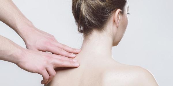 Homöopathie in der Schmerztherapie. Interview mit Dr. med. Klaus Zak