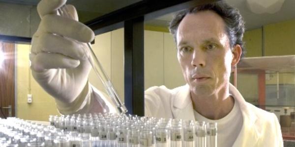 Teil 2 des Interviews mit Physiker Dr. Stephan Baumgartner. Wasserlinsen-Experimente zeigen spezifische Effekte von hochverdünnten Homöopathika